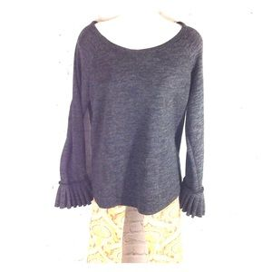 Gray long sleeve top NWT HANNAH Womens Large L NEW